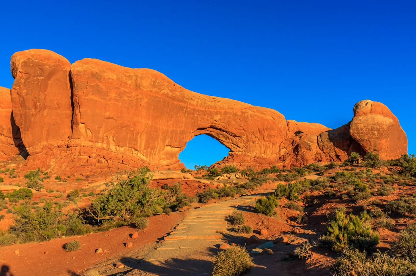 Some arches are very small, and some are very large.