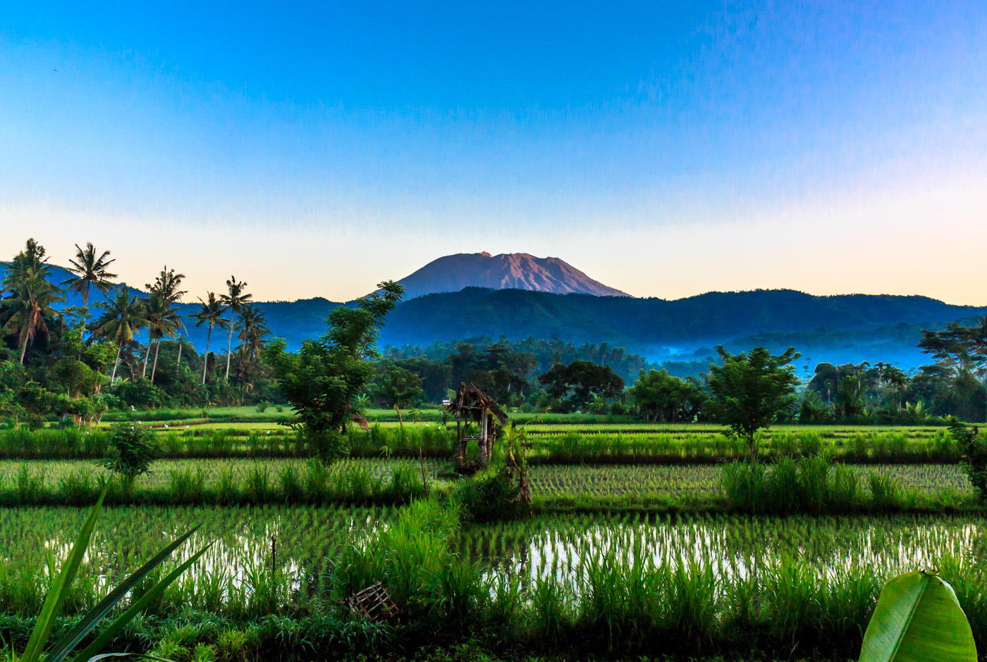 Mt. Agung looms outside of town. Yeah, I climbed that!