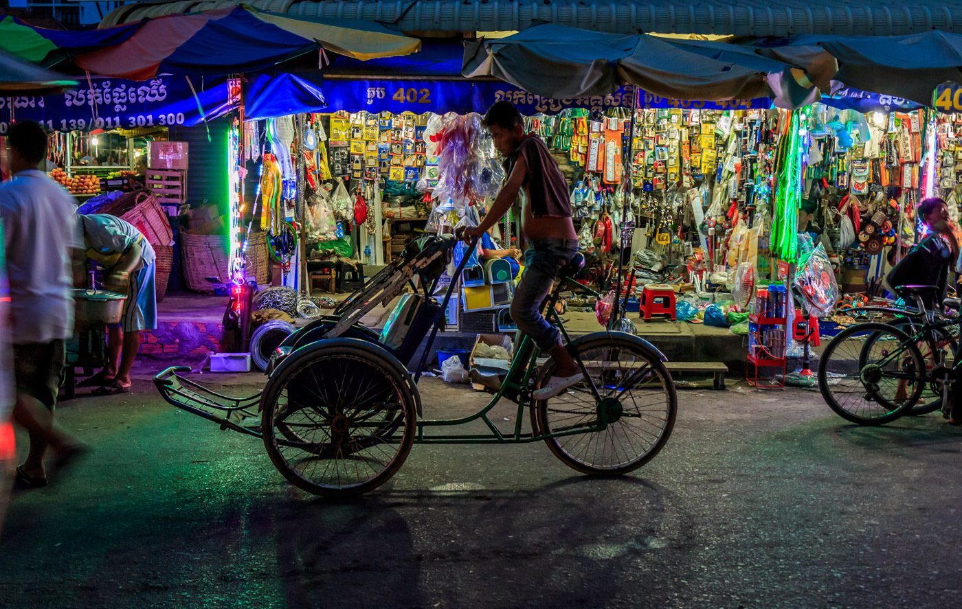 A cyclo at the market.