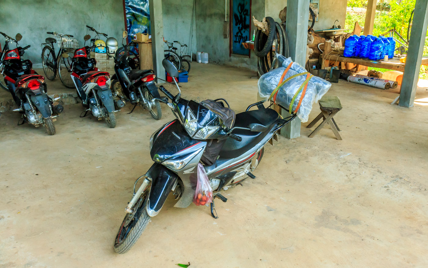 Tién, my Vietnamese motorbike, is ready to go home.