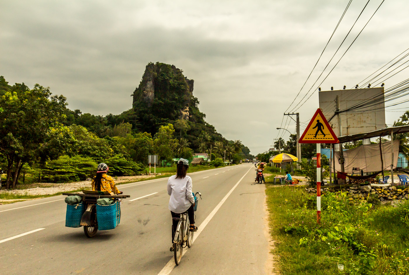 The short ride to Hà Tiên was scenic.