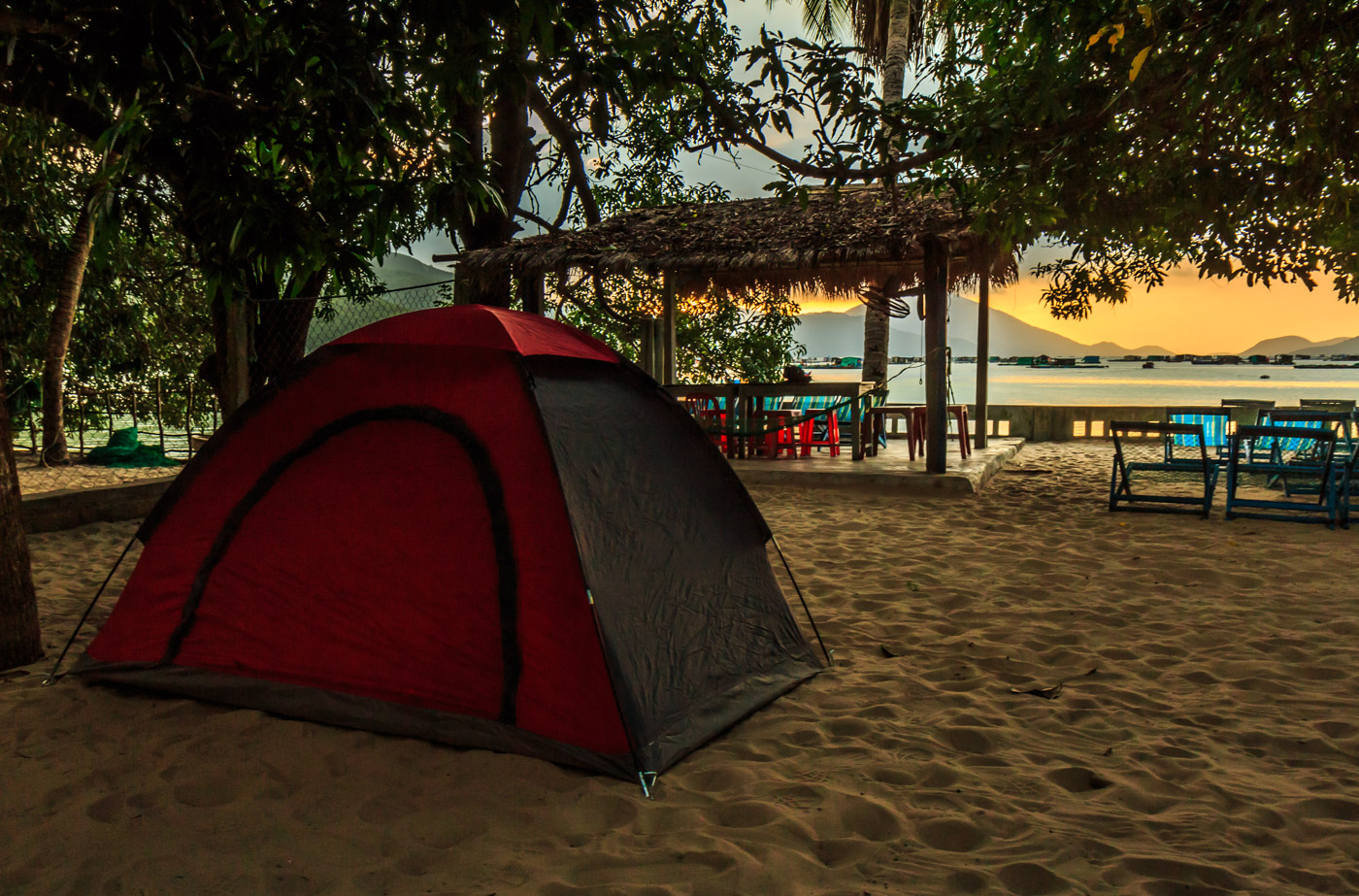 I set up my tent on the beach.