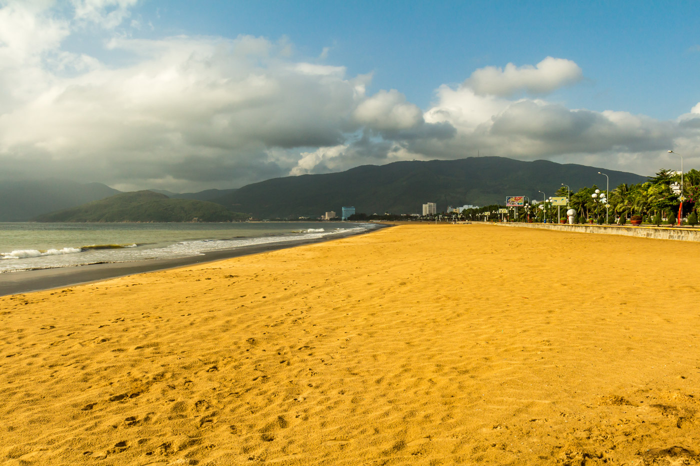Quy Nhon's big, deserted beach